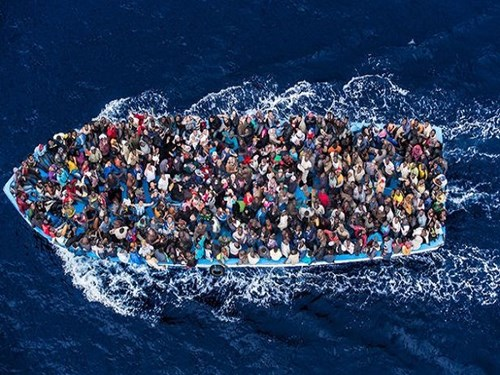 700 người chết khi tàu cá chở người bị lật:Thảm hoạ tồi tệ nhất với người nhập cư ở Địa Trung Hải