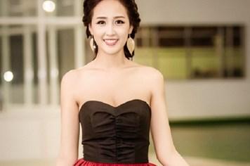 Hoa hậu Mai Phương Thúy khoe khéo vòng một sexy với đầm cúp ngực