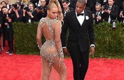 """Chồng Beyonce """"phát hoảng"""" vì vợ """"mặc như không"""" đi sự kiện"""