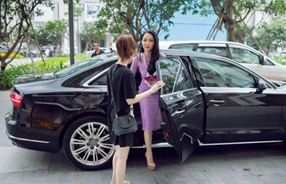 Linh Nga sexy lướt xế bạc tỉ đi sự kiện sau đổ vỡ hôn nhân