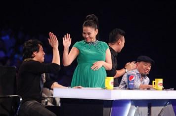 """Thu Minh tạm rời """"ghế nóng"""" Vietnam Idol để sinh con"""