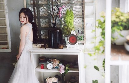 Hương Tràm bất ngờ mặc váy cưới khoe nhan sắc đẹp ngỡ ngàng