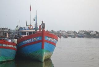 Ngư dân bám biển không chỉ bằng ý chí