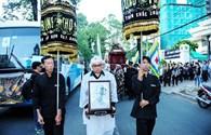 Vợ nhạc sĩ Phan Huỳnh Điểu nghẹn ngào tiễn chồng lần cuối