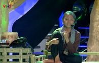 Hoài Linh rơi nước mắt khi nghe Phương Mỹ Chi hát về mẹ