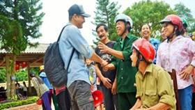 MC Phan Anh công khai số tiền đã từ thiện ở miền Trung