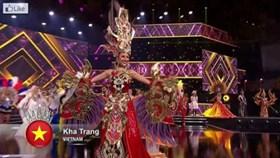 Bị vấp ngã, Khả Trang vẫn giành giải Trang phục dân tộc đẹp nhất HH Siêu quốc gia
