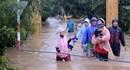 Trao Bằng khen cho 7 thanh niên quả cảm cứu giáo viên, học sinh, người già và trẻ em trong lũ dữ