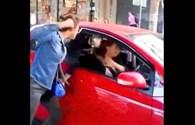Video: Cô gái đấm tới tấp nữ tài xế sau va chạm