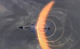 Tiêm kích F-16 tạo sóng xung kích giải vây cho lính Anh