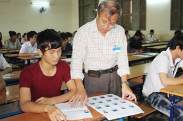 Dư luận dậy sóng vì quy định mới của Bộ Giáo dục-Đào tạo