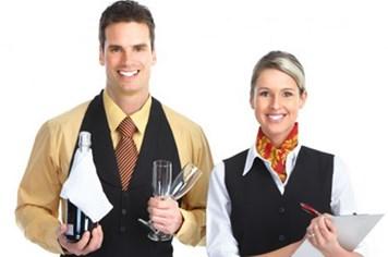 2 Nhân viên phục vụ bàn phòng Vip