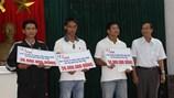 Quỹ Tấm lòng vàng Lao Động trao 130 triệu đồng hỗ trợ 3 ngư dân gặp nạn