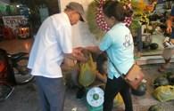Kêu gọi trên facebook để bán dưa hấu giúp người dân vùng lũ