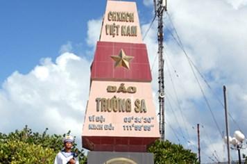 Cử tri mong muốn xây dựng và bảo vệ vững chắc quần đảo Trường Sa