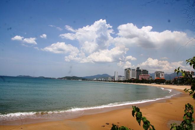 Những hình ảnh  mới nhất về dự án  chiếm dụng bãi biển gây tranh cãi tại Nha Trang