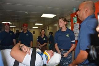 Hoa Kỳ và Việt Nam phối hợp diễn tập cứu hộ thảm họa trên biển