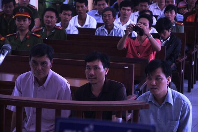 """Vụ """"7 ông Chấn tại Sóc Trăng"""": Nguyên điều tra viên dùng nhục hình bị phạt 24 tháng tù"""