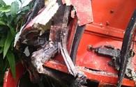 Xe khách đấu đầu xe tải trong đêm, 3 người thương vong