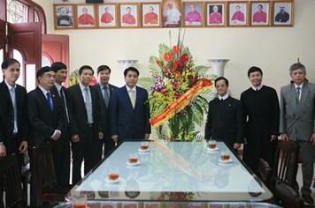 Chủ tịch UBND TP.Hà Nội chúc mừng Giáng sinh giáo xứ Thái Hà