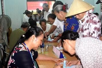 Quảng Bình: Ngư dân nô nức đến sớm tại các điểm bầu cử
