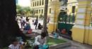Những hình ảnh nhếch nhác trước Bưu điện TPHCM