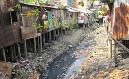 TPHCM: Lắp camera giám sát người vứt rác xuống kênh rạch