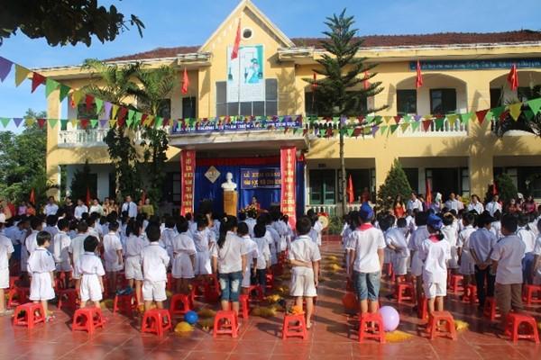Hà Tĩnh: Xem xét hỗ trợ học phí cho học sinh vùng sự cố môi trường biển trong 2 năm học