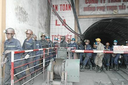 Tai nạn nổ mìn, 14 thợ lò gặp nạn