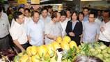 Thủ tướng bất ngờ đi thị sát siêu thị tại TP HCM
