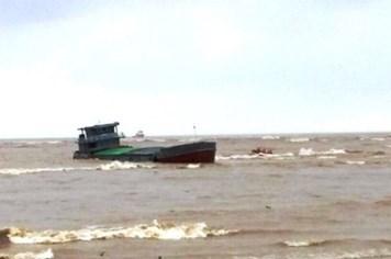 Quảng Bình: Cứu nạn thành công 4 thuyền viên trên tàu hàng bị trôi ra biển