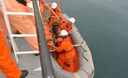 Cứu nạn ngư dân Quảng Ngãi gặp nạn trên biển