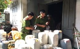Bình Thuận: Phát hiện gần 2.000 lít hóa chất không nhãn mác tại cơ sở sản xuất cà phê