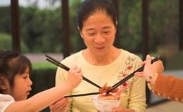 Thói quen ăn uống truyền vi khuẩn chết người