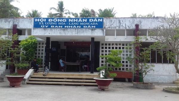 Bến Tre: Chủ tịch UBND xã Lương Hòa treo cổ tự tử
