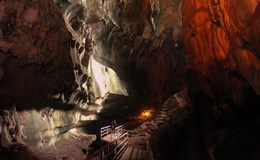 Hành trình thám hiểm hang động Perak ở Malaysia