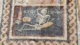 Bức tranh bộ xương cổ xưa đưa ra lời khuyên thú vị với con người