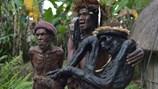 Đột nhập ngôi làng của bộ tộc sống cùng những xác ướp hun khói