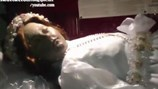 Video: Kinh ngạc xác ướp 300 năm bất ngờ mở mắt nhìn du khách