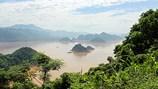 Hồ Ba Khan mùa nước trong, nước đục