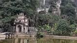 Đầu xuân vãn cảnh chùa Bích Động, Ninh Bình