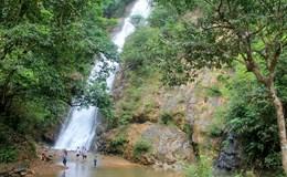 Khám phá ngọn thác cao 70m nơi thâm sơn cùng cốc ở Đạ Tẻh