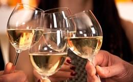 6 điều cần lưu ý khi uống rượu ngày Tết để có sức khỏe tốt
