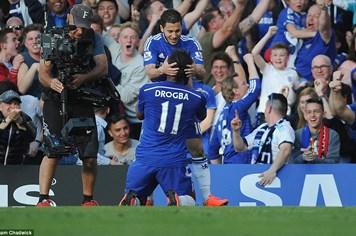 """Chelsea - Man United 1-0: Tội đồ Falcao """"biếu"""" 3 điểm cho đối thủ"""