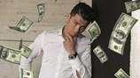 Mỗi phút Ronaldo kiếm được bao nhiêu tiền?