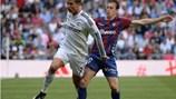 """Song sát"" Bale, Ronaldo giúp Real vượt ải Eibar"