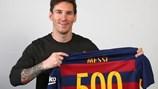 Messi đã làm được gì sau 500 trận cho Barcelona?