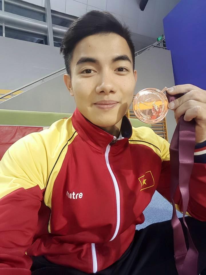 Phạm Phước Hưng đoạt huy chương đồng thể dục dụng cụ thế giới