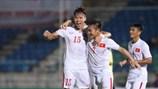 Video: 3 bàn thắng đưa ĐT Việt Nam lên ngôi AYA Bank Cup 2016