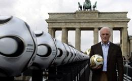 """""""Hoàng đế"""" Beckenbauer bị điều tra tham nhũng"""